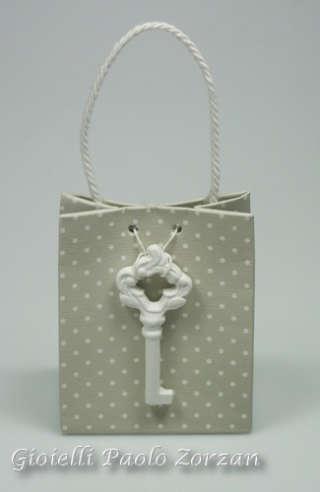 Bomboniera borsetta porta confetti per cerimonia con chiave in gesso profumato Ref. AB177/C2-0