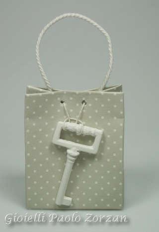 Bomboniera borsetta porta confetti per cerimonia con chiave in gesso profumato Ref. AB177/C1-0
