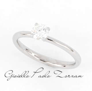Anello Solitario in Oro Bianco e Diamante ct. 0.39 ref. AN2103    Anelli Anelli Solitario Gioielli Donna